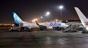 迪拜,阿拉伯联合酋长国- 4月10日 2018年 航空器航空公司FlyDubay在机场 免版税库存图片
