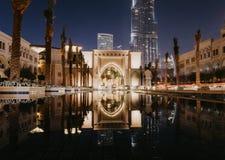迪拜,阿拉伯联合酋长国- 1月02,2019:哈里发塔摩天大楼夜,迪拜 Burj哈利法是最高的摩天大楼在世界上 库存照片