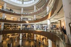 迪拜,阿拉伯联合酋长国- 1月06,2018 :在迪拜购物中心里面 迪拜M 免版税图库摄影
