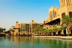 迪拜,阿拉伯联合酋长国-, 2014年:餐馆、abra驻地和大厦旅馆Al Qasr Madinat Jumeirah复合体 库存图片
