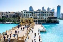 迪拜,阿联酋- 2017年10月13日:迪拜购物中心来源 库存照片