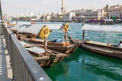 迪拜, UAE-JANUARY 18 :传统Abra运送2 1月18日, 免版税库存照片