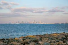 迪拜, UAE-JANUARY 15 :摩天大楼在1月的市中心 库存照片