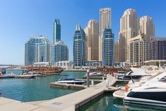 迪拜-小游艇船坞和游艇散步  免版税库存照片