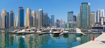 迪拜-小游艇船坞和游艇散步  库存图片