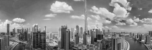迪拜- 2016年12月:街市城市大厦鸟瞰图  免版税库存图片