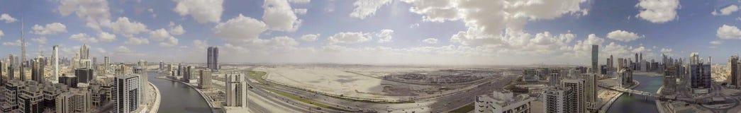 迪拜- 2016年12月:街市城市sk空中全景  库存照片