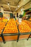 迪拜- 2014年1月7日:迪拜超级市场 库存图片