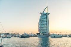 迪拜- 2015年10月9日:Burj Al阿拉伯人,一最著名的la 免版税图库摄影