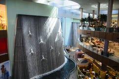 迪拜购物中心瀑布 免版税库存图片