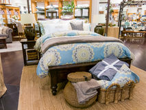 迪拜购物中心的家庭装饰商店 库存照片