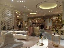 迪拜购物中心的平实鞋子区在迪拜,阿拉伯联合酋长国 库存照片