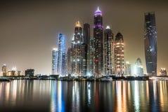 迪拜从近海处的小游艇船坞江边 库存照片