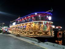 迪拜Creek夜巡航 免版税库存照片
