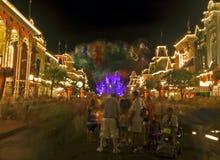 迪斯尼王国魔术晚上场面 免版税库存照片
