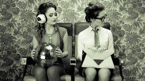 迪斯科妇女两次被摄制的性感的俱乐部舞蹈家 股票录像