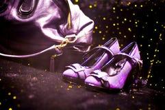 迪斯科手袋淡紫色鞋子 库存照片
