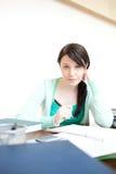 迷人女孩学习青少年 免版税库存图片