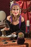 迷人的占卜用的纸牌夫人 免版税库存图片