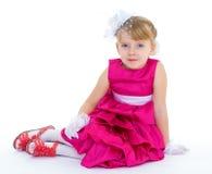 迷住和非常时兴的小女孩 免版税库存照片