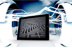迷宫的综合图象在片剂屏幕上的 图库摄影
