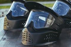 迷彩漆弹运动极端体育防护器材面具 免版税库存照片
