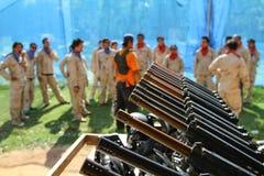 迷彩漆弹运动枪 免版税库存图片
