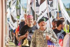 退伍军人和支持者在边界抗议游行 库存照片