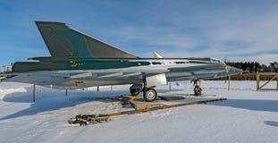 退休的瑞典做的喷气式歼击机航空器绅宝35 Draken博士 免版税图库摄影