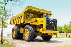 退休的褐煤煤炭卡车 免版税库存图片