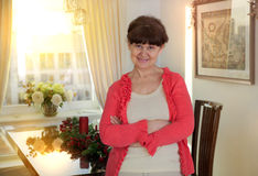 退休金使用年限漂亮的女人画象 免版税图库摄影