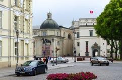 退出到大教堂广场在维尔纽斯老镇  库存图片