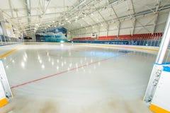 退出对曲棍球领域在保加利亚的黑海海岸的被盖的冰宫殿 库存图片