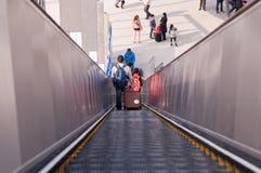 退出火车站自动扶梯  免版税库存照片