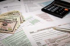 退款的-报税表归档的联邦税1040 免版税库存照片