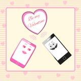 送的桃红色女性和黑男性智能手机字符夫妇  免版税库存图片