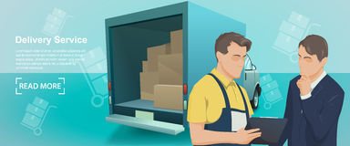 送货业务横幅  送货业务的工作者在制服的与客户讲话 免版税库存图片