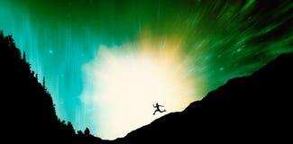 适合浅黑肤色的男人赛跑和跳跃的综合图象 图库摄影