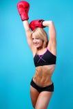 适合的女性拳击手 免版税库存照片