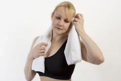 适应成熟妇女特写镜头纵向有毛巾的。 库存照片