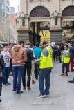 选举人和志愿者墨尔本的城镇厅 免版税库存照片