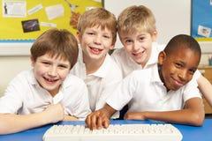 选件类计算机学童使用 免版税库存照片
