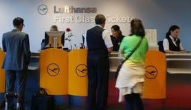 选件类逆第一张汉莎航空公司票 免版税库存图片