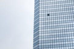 选拔在公司办公室sk玻璃窗门面的开窗口  库存图片