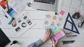 选择商标设计的创造性的设计师色板显示 股票录像