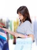 选择礼服 免版税图库摄影