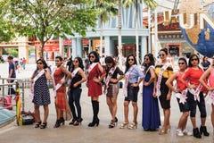 选美的决赛选手在圣淘沙海岛 免版税库存照片