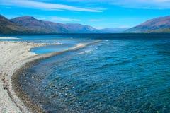 透明的瓦纳卡湖 免版税库存照片