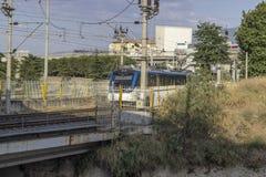 透视射击了市郊火车在铁路线 库存图片