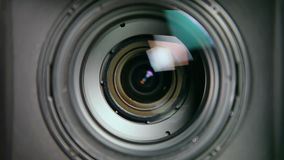 透镜内部-迅速移动 股票录像